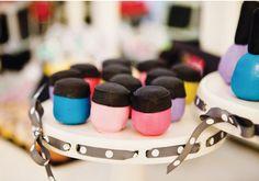 makeup-cake-balls-fashion-birthday    www.cakepopmyheart.com