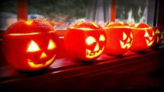 Scented fall Halloween jack o' lantern tea lights for DIY Halloween decor. Simple Hometalk DIY project to turn your orange peels into fun and aromatic DIY Halloween decorations for fall DIY home decor on a budget! Halloween Crafts For Toddlers, Toddler Crafts, Crafts For Kids, Jar Lanterns, Wooden Lanterns, Halloween Jack, Vintage Halloween, Halloween 2018, Halloween Party