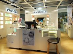 Pandora pop up store Heathrow