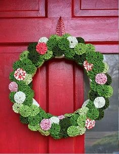 Friday - 5 Wreaths to Make for Spring Christmas or Spring.Christmas or Spring. Diy Xmas, Christmas Sewing, Christmas Projects, Holiday Crafts, Holiday Decor, All Things Christmas, Christmas Holidays, Christmas Wreaths, Christmas Decorations