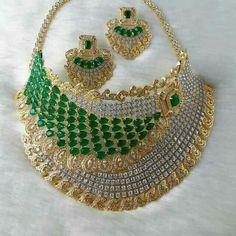 Jewlery, Jewelry Bracelets, Diamond Jewelry, Chokers, Jewelry Design, Sparkle, Brooch, Emeralds, Accessories