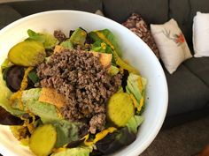 Deconstructed cheeseburger salad, because what are carb on bikini prep? 🤷🏻♀️🥗🍔 It's super simple. Just add your favorite classic burger ingredients. I use lean ground beef, ketchup, mustard, pickles, cheddar and steak seasoning. Don't knock it 'till you try it! 🤤🙌🏻 #lowcarb diet