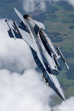 Pierwsza taka sesja zdjęciowa polskich myśliwców - Technowinki