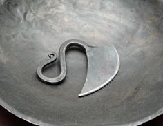How can something made of steel look so... SWOOPY! An iron chopping knife... I gotta make one of these!