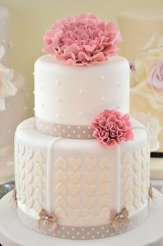 Hearts and Flower Cake - Cake by Hilary Rose Cupcakes Sweet Cakes, Cute Cakes, Pretty Cakes, Beautiful Wedding Cakes, Gorgeous Cakes, Amazing Cakes, Fondant Cakes, Cupcake Cakes, Gateaux Cake