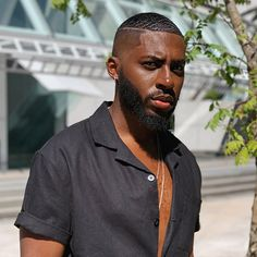 This is an example of the waves hairstyle for a black man. Black Man Haircut Fade, Black Hair Cuts, Taper Fade Haircut, Black Men Haircuts, Black Men Hairstyles, Classic Hairstyles, Men's Hairstyles, Braided Hairstyles, Waves Hairstyle Men