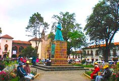 Ven a la Plaza Gertrudis Bocanegra en #Pátzcuaro y disfruta de la belleza y calidez de este maravilloso pueblo!