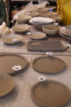 Ceramic Studio, Ceramic Clay, Pottery Plates, Ceramic Pottery, Earthenware, Stoneware, Christmas Cup, Coil Pots, Tea Tray