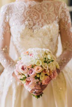 Joana e João: Casamento no Pestana Palace » Fotografia de Casamento de Matilde Berk | Wedding photography by Matilde Berk  #weddingbouquet #ramodenoiva