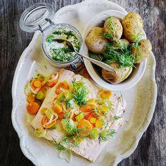 Klassisk inkokt lax | Mitt kök Gluten Free Recipes, Healthy Recipes, Healthy Food, European Cuisine, Fresh Rolls, Free Food, Broccoli, Curry, Fish