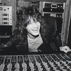 Eddie Van Halen at 5150 Van Halen 5150, Eddie Van Halen, Tap Dance, Black Sabbath, Prince Charming, Hes Gone, Jon Snow, Rock And Roll, Sailor