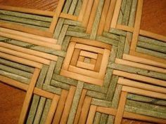 Технология, приёмы, способы Weaving Loom Diy, Paper Weaving, Weaving Art, Fabric Weaving, Weaving Designs, Weaving Projects, Weaving Patterns, Diy Paper, Paper Art