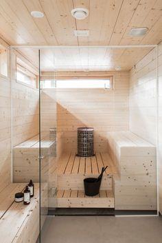 A house sauna may likewise help your friends and family keep healthy and loose. It's a handy and cheap technique to get pleasure from a resort life-st. Sauna Infrarouge, Sauna Hammam, Sauna Steam Room, Sauna Room, Design Sauna, Scandinavian Saunas, Sauna A Vapor, Sauna Seca, Sauna Shower