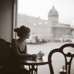 Black and White Photography of Women: How Take Beautiful Pictures – Black and White Photography Street Photography, Portrait Photography, Cloudy Day, Parisian Chic, Belle Photo, Black And White Photography, Coffee Shop, Coffee Girl, Photoshoot