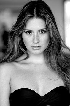 Taliana Vargas Beautiful Models, Beautiful Women, Latina, Beauty Women, Crushes, Black And White, Female, Stars, Lady