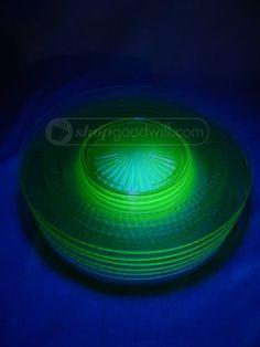 shopgoodwill.com: It Glows Vaseline Glass Plates