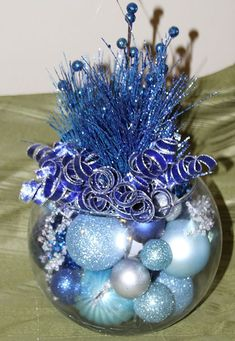 Here are best Blue Christmas Decor Ideas. From Blue Christmas Trees to Blue Christmas Home Decors to Turquoise decor to teal decor ideas / inspo are here. Blue Christmas Tree Decorations, Frozen Christmas Tree, Christmas Arrangements, Christmas Mantels, Christmas Centerpieces, Christmas Holidays, Christmas Wreaths, Christmas Crafts, Christmas Villages