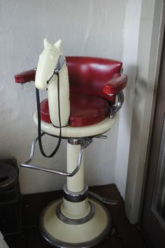 Vintage child's horsehead barber chair ... want!!!! Hahaha Might get ronnee in the salon if they have one of these!