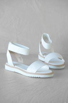 My daughter bought a pair of these last summer in Spain! Way to 2fab89dc8