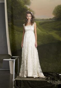 A bride wearing this would look like she stepped out of an Austen novel. In other words: YES PLEASE.