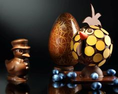 Egg-citing Easter at Island Shangri-La, #HongKong. Celebrate your #Easter holidays with these whimsical chocolate goodies from Island Gourmet.