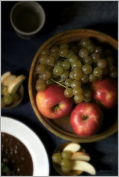 Muscat Grapes and Apples