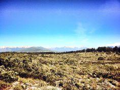 Lindo día en Bariloche, aunque fresco... 8° la temperatura actual! Vista desde el Este hacia el cerro Otto y el centro de la ciudad.  Bariloche.Org