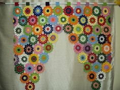 New Crochet Flowers Curtain Granny Squares 30 Ideas Crochet Sock Pattern Free, Crochet Yarn, Crochet Flowers, Crochet Stitches, Crochet Patterns, Joining Yarn, Flower Curtain, Beginner Crochet Projects, Crochet Curtains