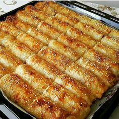 """2,286 Beğenme, 3 Yorum - Instagram'da Saniye Demirtas Kayhan (@misss_mutfagim): """"Günaydın canlar BAKLAVA YUFKASIYLA PATATESLİ BOREK @husniyeninmutfagindan  5 - 6 adet patates…"""""""