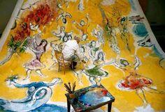 Marc Chagall dipinge la volta dell'Opera Garnier di Parigi, 1964