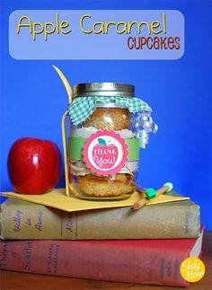Apple Caramel Cupcakes with Cinnamon Buttercream {in a Jar} at TidyMom.net #backtoschool