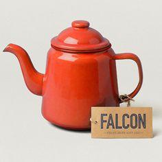"""Raudonas emaliuotas arbatinukas iš """"Bijūnai prie namo"""" parduotuvės"""