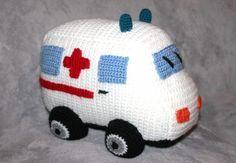 Häkelanleitung Krankenwagen zum Kuscheln