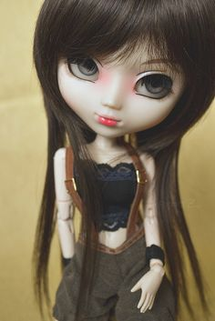 I love this style on dolls.