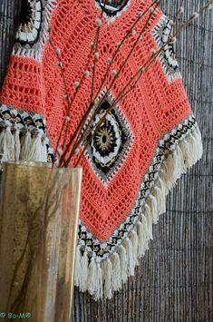 Bo-M: Poncho cor de salmão com dourado NO PATTERN but easy enough to make. Can be worn different ways. Poncho Au Crochet, Crochet Shawls And Wraps, Crochet Jacket, Love Crochet, Crochet Granny, Crochet Scarves, Crochet Yarn, Crochet Clothes, Crotchet Patterns