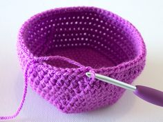 crochet baskets - great written instructions!