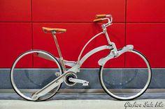 Bicycle designed to fold to a size of an umbrella | Designer: Gianluca Sada