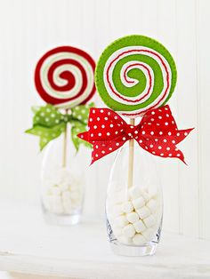 Cute candy and marshmallow table decorations