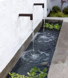 Modern Fountain Design: 25 Mesmerizing Ideas to Beautify Your Backyard Small Backyard Ponds, Backyard Water Fountains, Backyard Water Feature, Modern Water Feature, Backyard Ideas, Back Yard Pond Ideas, Outdoor Fish Ponds, Black Feature Wall, Small Backyard Design