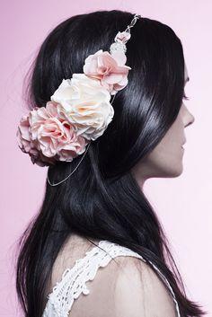 Couronne de fleurs mariage tand3m - http://www.tand3m.fr/collections/accessoiresmariee/couronnes
