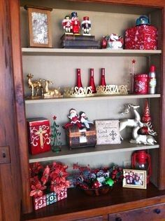 how to decorate christmas bookcase 2013 christmas red decor ideas 2013 christmas - Christmas Shelf Decorations