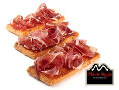 ¿Sabes que disfrutar de un buen desayuno te ayuda a afrontar el día con ilusión? Date un capricho 100% mediterráneo.