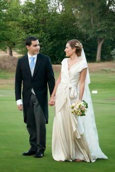 Atelier Wedding: MERCEDES con vestido de Cortana