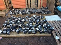 over 200 abs pumps 198 ecu's all different makes near enough £1 each if you take the lot absolute bargain electronictechwizard@gmail.com