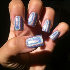 I'm not typically crazy about square nails, I tend to prefer coffin shape, almond or stiletto, but the color is so fab.