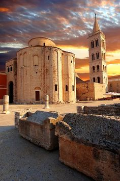 The The pre-Romanesque Byzantine St Donat's Church & the Campinale bell tower of the St Anastasia Cathedral. Zadar, Croatia