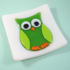 Art Glass Dish with Green Owl on White Background, 5 Inch, Fused Glass | ResetarGlassArt - Glass on ArtFire #AFPOUNCE
