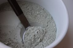 """Delighted Momma: Skin Care Tip of the Week *DIY green clay mask"""""""