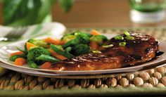 This recipe for Easy Chicken Teriyaki is an oven-baked recipe. It's a simple recipe for a large gathering but is easy to cut in half for a smaller meal. This is a healthy, Weight Watchers friendly recipe at 3 PointsPlus per serving. Makes 12 servings. Skinny Recipes, Ww Recipes, Cooking Recipes, Healthy Recipes, Diabetic Recipes, Asian Recipes, Recipies, Poulet Weight Watchers, Chicken Teriyaki Rezept