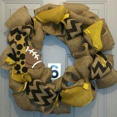 Iowa Hawkeye wreath. Gold and black burlap